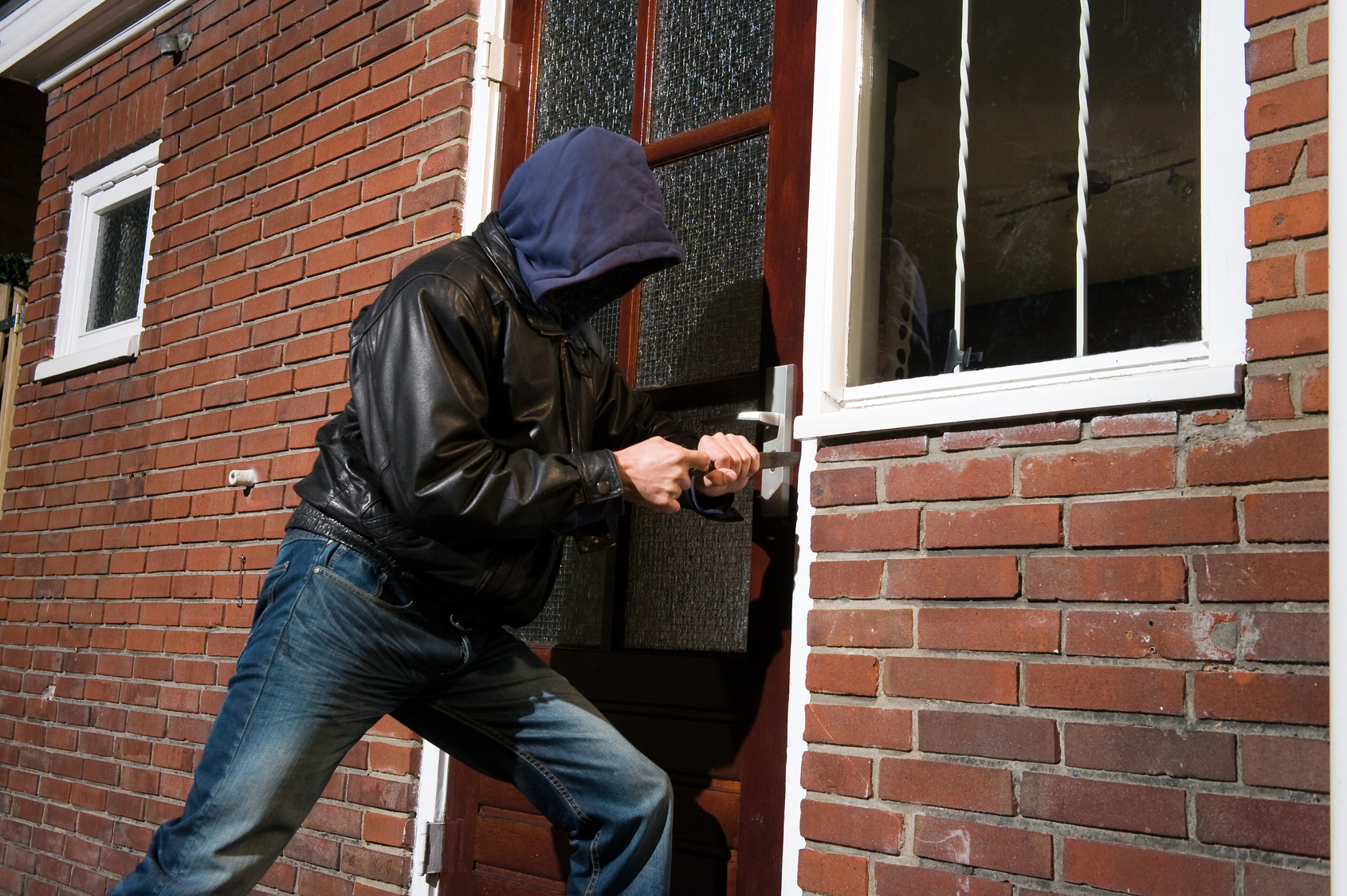 6 Common Burglar Myths Disproven Cammy
